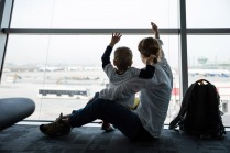 10 Tips for Handling a Long Layover With Kids